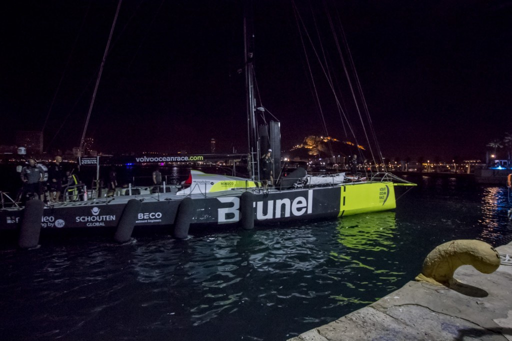 August 22, 2014. Team Brunel, first team arriving to Alicante.