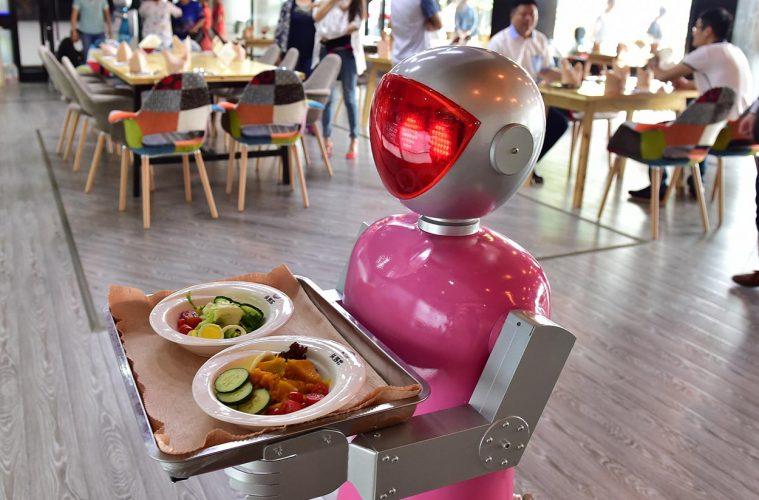 robots-en-hosteleria-759x500